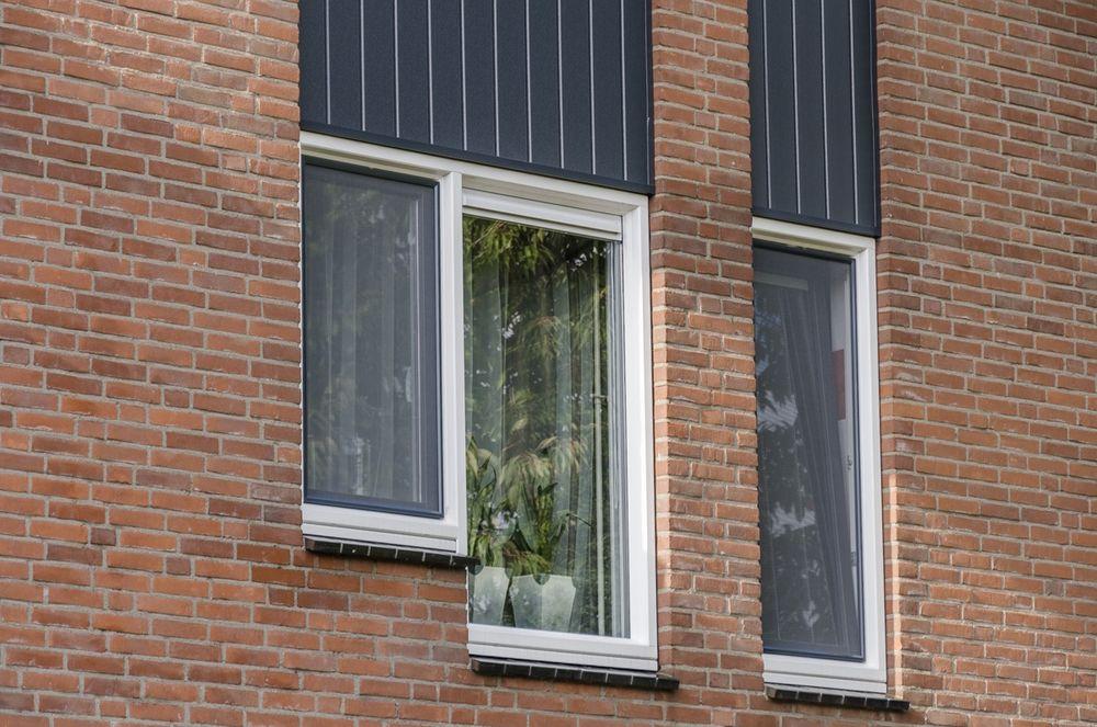 Kunststof ramen met isolatieglas - Van der Vlugt Velserbroek - Kozijnen en Zonwering