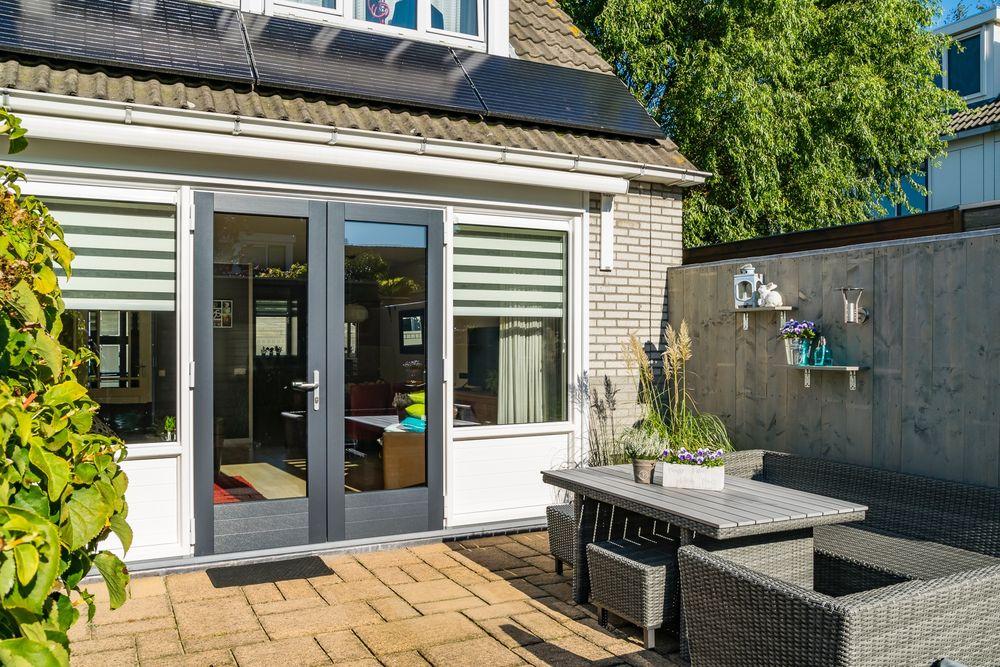 kunststof tuindeuren buitenzijde - Van der Vlugt Velserbroek - Kozijnen en Zonwering