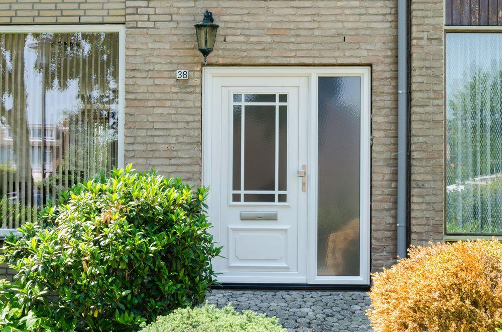 kunststof voordeur - Van der Vlugt Velserbroek - Kozijnen en Zonwering